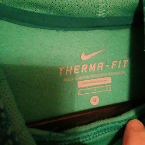 Nike Tops - Nike Therma Fit hoodie